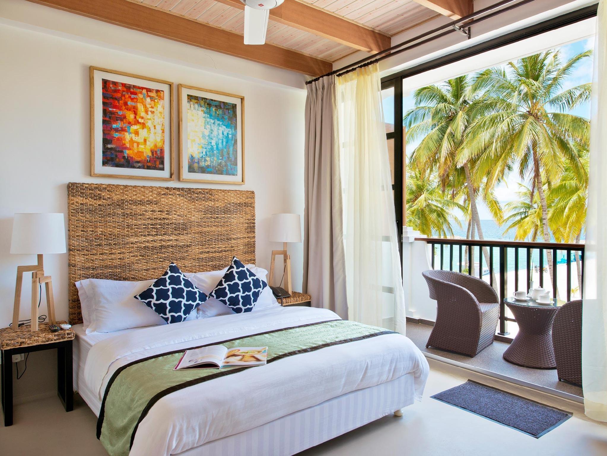 Crystal Sands Beach Hotel5
