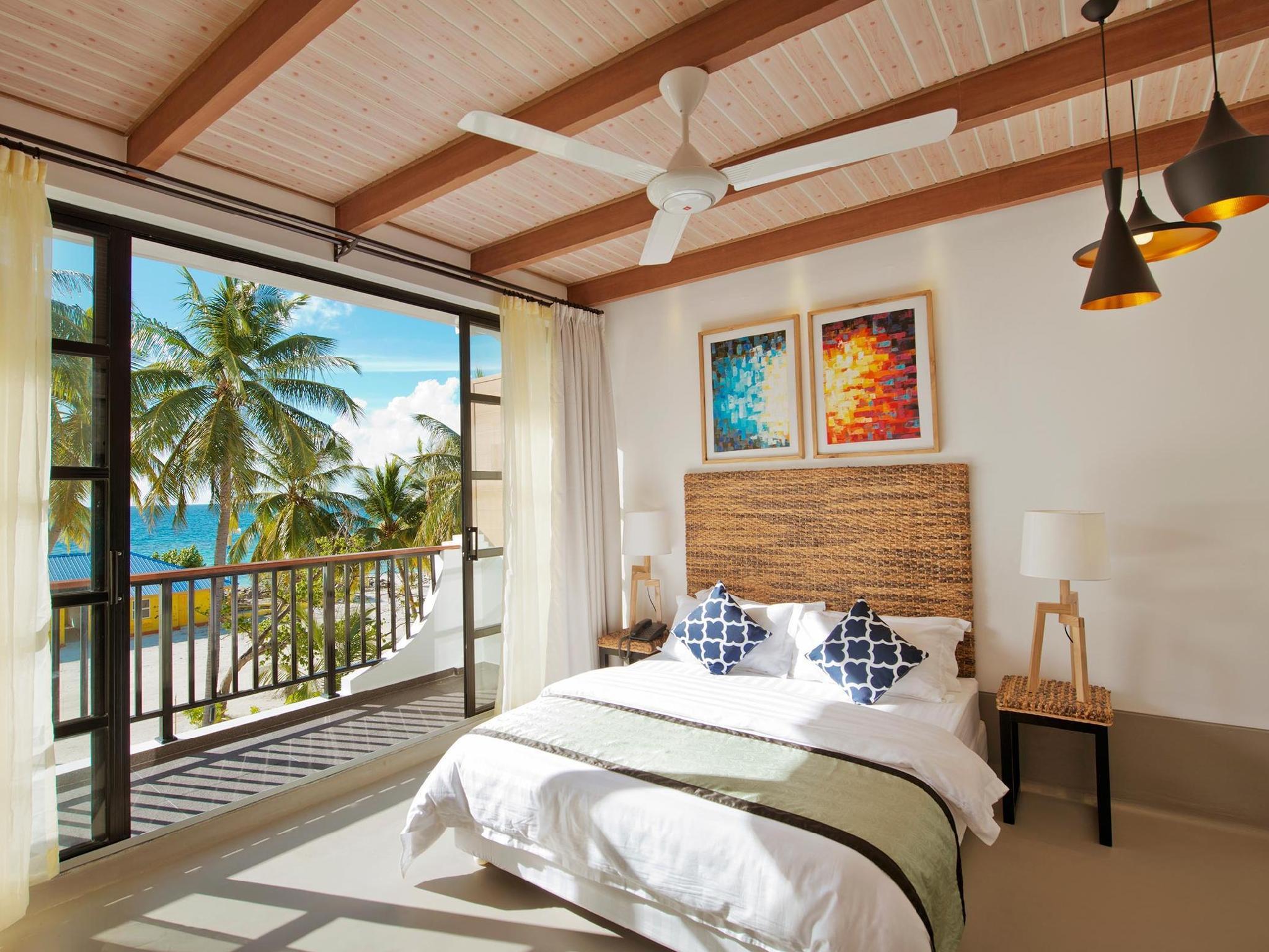 Crystal Sands Beach Hotel7