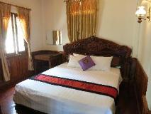 Namkhan Riverside Hotel: suite room