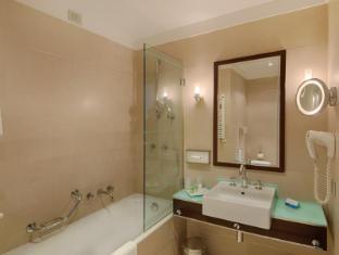 NH Siena Siena - Bathroom