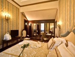 /due-torri-hotel/hotel/verona-it.html?asq=5VS4rPxIcpCoBEKGzfKvtBRhyPmehrph%2bgkt1T159fjNrXDlbKdjXCz25qsfVmYT