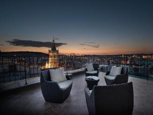 Hotel Suite Home Prague Prague - Castle view suite private terrace at night