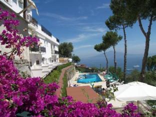 /fi-fi/hotel-villa-fiorita/hotel/sorrento-it.html?asq=jGXBHFvRg5Z51Emf%2fbXG4w%3d%3d
