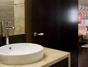 /the-lake-resort/hotel/vilamoura-pt.html?asq=GzqUV4wLlkPaKVYTY1gfioBsBV8HF1ua40ZAYPUqHSahVDg1xN4Pdq5am4v%2fkwxg