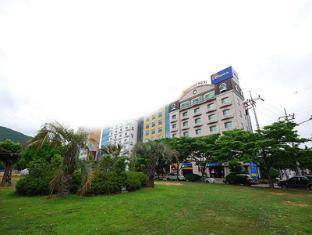 /fr-fr/sun-house-hotel/hotel/yeosu-si-kr.html?asq=vrkGgIUsL%2bbahMd1T3QaFc8vtOD6pz9C2Mlrix6aGww%3d