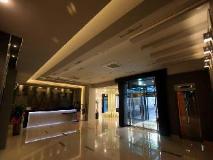 Hotel Herald: lobby