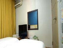 Hotel Herald: guest room