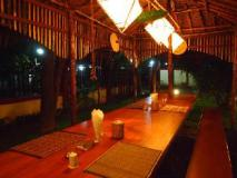 Thanlwin Guest House: garden
