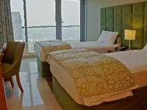 Chelsea Tower Suites & Apartments: guest room
