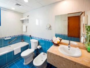 Coral Oriental Hotel Dubai - Bathroom