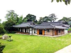 Gyeongbokgung Pension