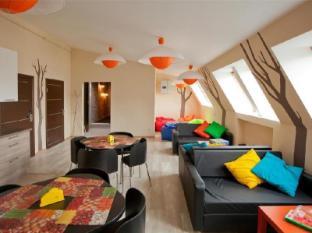 /fi-fi/central-street-hostel/hotel/saint-petersburg-ru.html?asq=vrkGgIUsL%2bbahMd1T3QaFc8vtOD6pz9C2Mlrix6aGww%3d