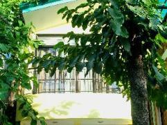 Philippines Hotels | John's Apartelle