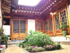 Mumum Hanok Guesthouse South Korea