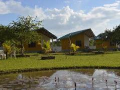 Lake Leisure Family Resort   Sri Lanka Budget Hotels