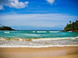 /blue-beach-paradise-resort/hotel/tangalle-lk.html?asq=jGXBHFvRg5Z51Emf%2fbXG4w%3d%3d
