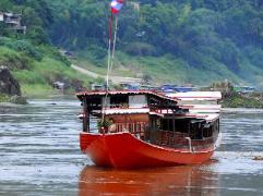 Mekong Cruises - The Luang Say Cruise - Houeisay to Luang Prabang | Laos Budget Hotels