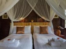 Mekong Cruises - The Luang Say Cruise - Houeisay to Luang Prabang: suite room