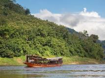 Mekong Cruises - The Luang Say Cruise - Houeisay to Luang Prabang: surroundings