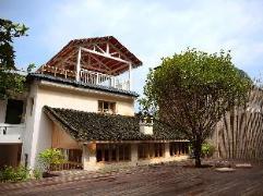 Zen Box House | Hotel in Yangshuo