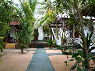 /panorama-rock-cafe-hotel/hotel/tangalle-lk.html?asq=jGXBHFvRg5Z51Emf%2fbXG4w%3d%3d