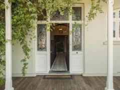Claremont House | New Zealand Budget Hotels