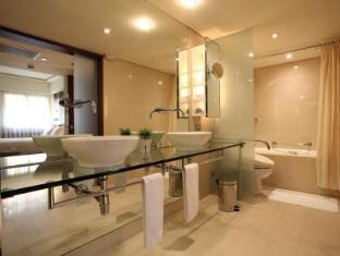Gloria Prince Hotel Taipei - Bathroom
