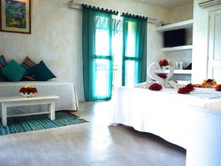 Sous Le Badamier Guest House