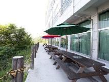 Muui Sea Side Hotel: garden