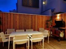 Boutique Stays Cambridge Holiday House: balcony/terrace
