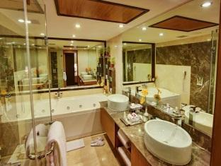 The Atria Bangalore Bangalore - Bathroom