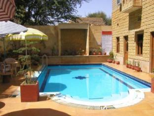 /hotel-golden-city/hotel/jaisalmer-in.html?asq=jGXBHFvRg5Z51Emf%2fbXG4w%3d%3d