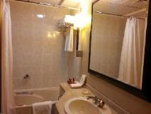 bathroom   Abu Dhabi Hotels