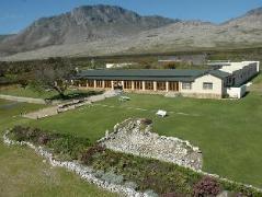 Cheap Hotels in Pringle Bay South Africa | Sea Villa Glen Craig