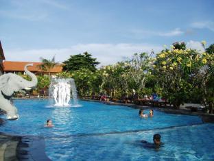 Febri's Hotel & Spa Bali - Main Pool