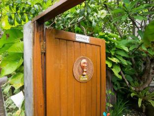 Febri's Hotel & Spa Bali - Private Entrance