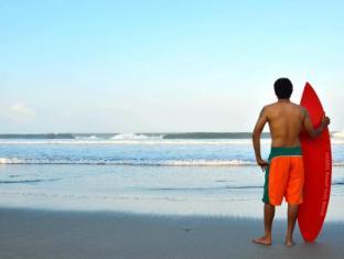 HARRIS Resort Kuta Beach Bali - Kuta Beach