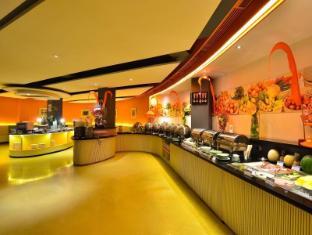 HARRIS Resort Kuta Beach Bali - HARRIS Cafe