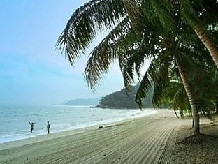 Blue Bay Resort Pangkor - Teluk Batik Beach
