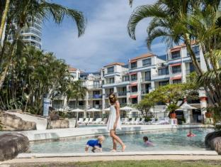 Oaks Calypso Plaza Hotel Gold Coast - Piscina