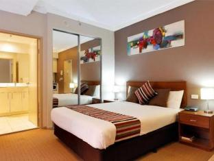 APX Darling Harbour Sydney - Guest Room