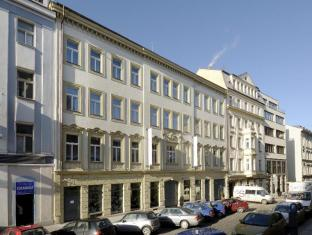 Yasmin Hotel Praag - Hotel exterieur