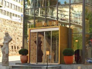 /sv-se/du-theatre-hotel-by-fassbind/hotel/zurich-ch.html?asq=vrkGgIUsL%2bbahMd1T3QaFc8vtOD6pz9C2Mlrix6aGww%3d