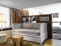 Cue Hotel: guest room