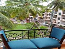 Parth Holiday Homes: balcony/terrace