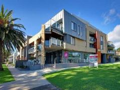 Cowes Luxury Beachfront Apartment - Phillip Island