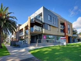 /cowes-luxury-beachfront-apartment-phillip-island/hotel/phillip-island-au.html?asq=jGXBHFvRg5Z51Emf%2fbXG4w%3d%3d