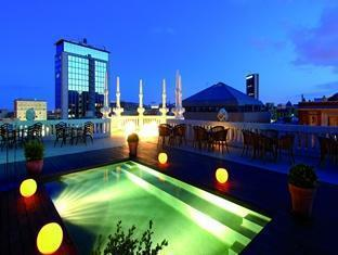Casa Fuster Hotel Barcelona - Swimming pool