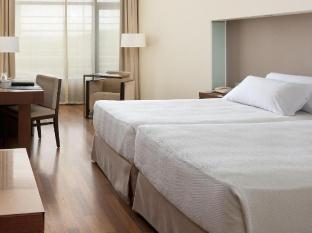 /sv-se/nh-plaza-de-armas/hotel/seville-es.html?asq=vrkGgIUsL%2bbahMd1T3QaFc8vtOD6pz9C2Mlrix6aGww%3d
