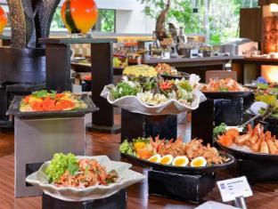 Swissotel Nai Lert Park Hotel Bangkok - Food and Beverages
